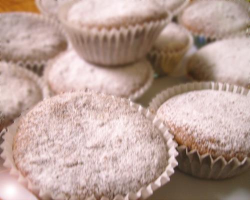 Muffin al profumo di mandorle, arancia e cioccolato